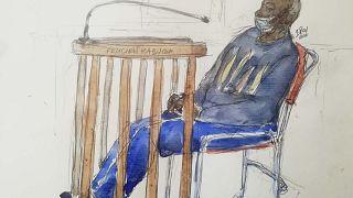 يُظهر هذا الرسم فيليسيان كابوغا،  كما ظهر علنا لأول مرة في محكمة الاستئناف في باريس، 20 مايو 2020