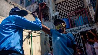 Habitantes de Luanda durante a pandemia de covid-19