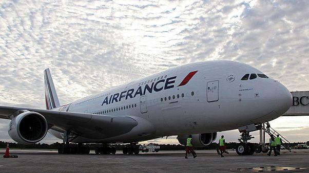 Un Airbus A380 sur le tarmac de l'aéroport de Cancún au Mexique, le 27 novembre 2013.