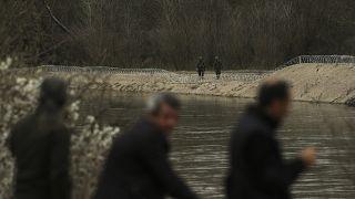 Yunan polisi geçtiğimiz aylarda Meriç kıyısındaki önlemlerini artırmıştı