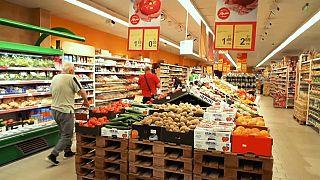 Új intézkedésekkel védi saját termékeit Bulgária - az EU nem örül