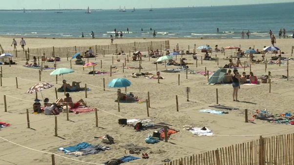 Franceses dirigem-se para as praias