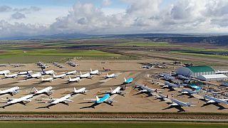 Aviones aparcados en el aeropuerto de Teruel