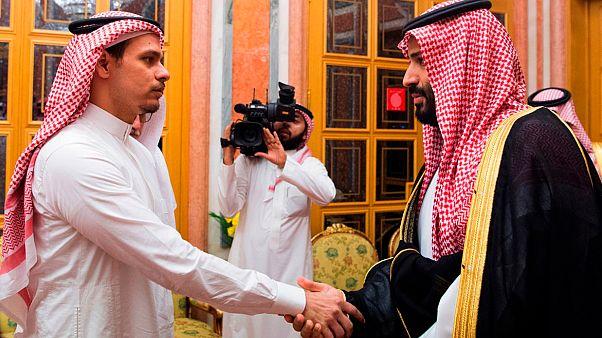 Suudi Veliaht Prens Muhammed bin Selman, Kaşıkçı'nın ailesiyle bir arada