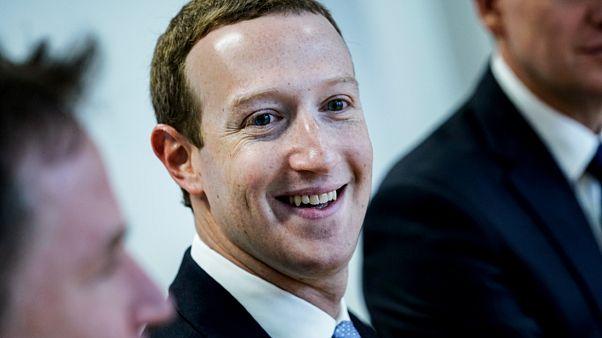 مارك زاكربرغ المؤسس والمدير التنفيذي لموقع التواصل الاجتماعي فيسبوك