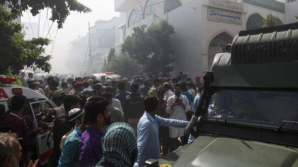 حادث تحطم طائرة ركاب باكستانية بالقرب من مدينة كراتشي