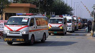 Több mint 100 emberrel a fedélzetén lezuhant egy pakisztáni utasszállító