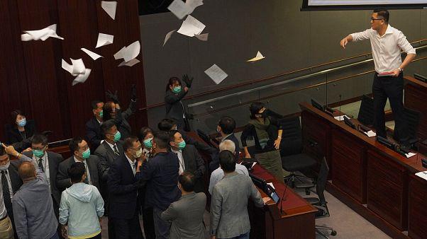 Νέες ταραχές στο Χονγκ Κονγκ - Ανησυχούν οι Βρυξέλλες