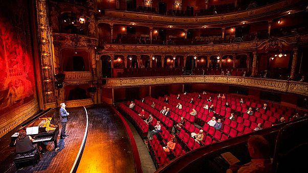 Die leeren Sitze sind Absicht: Staatstheater Wiesbaden ist wieder offen