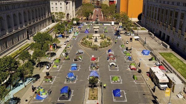 San Francisco'da şehrin ortasına çadır kent kuruldu