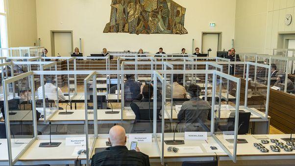 محاكمة متهمين سوريين في ألمانيا حيث يشتبه بتورطهما في التعذيب في سوريا - 2020/04/23