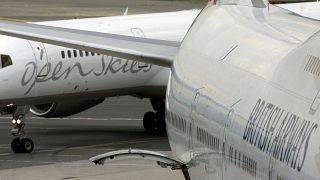 طائرة بوينغ في مطار كيندي في نيويورك - 2008/06/19
