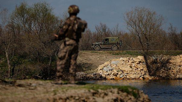 فريق من القوات الخاصة التركية يقوم بدورية على الحدود مع اليونان - 2020/03/11