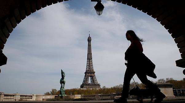فرانسه از شهروندان خود خواست تابستان به خارج سفر نکنند