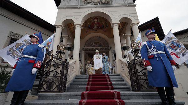 ILLUSZTRÁCIÓ Szabadtéri vízkereszti liturgia a bukaresti patriarkális palota előtt, 2020. január