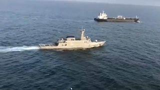 La marina venezolana escolta al petrolero iraní Fortune