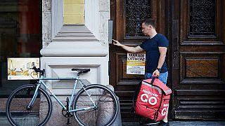 En Hongrie, ils changent de métier à cause de la crise du coronavirus
