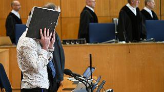 Almanya'da terör örgütü üyeliği davası