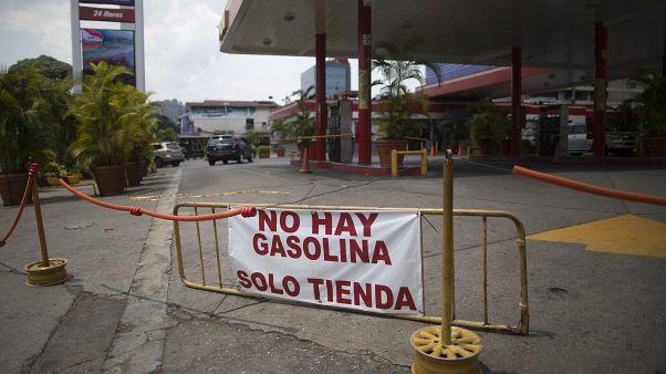 """Kein Benzin"" - Tankstelle in Venezuela"