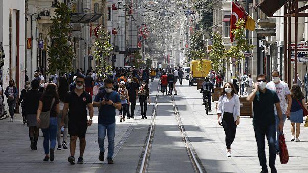 Hükümet yeni bir açıklama yapmazsa sokağa çıkma yasağı 26 Mayıs Salı gece yarısı sona erecek