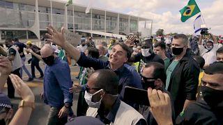 شاهد: متظاهرون برازيليون يدعمون بولسونارو ضد المحكمة العليا