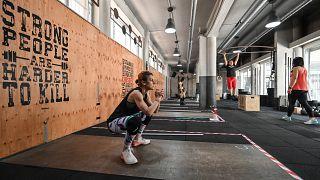 صالات الرياضة في إيطاليا تعيد فتح أبوابها