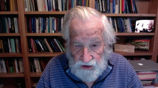نوام چامسکی، فیلسوف و زبانشناس آمریکایی