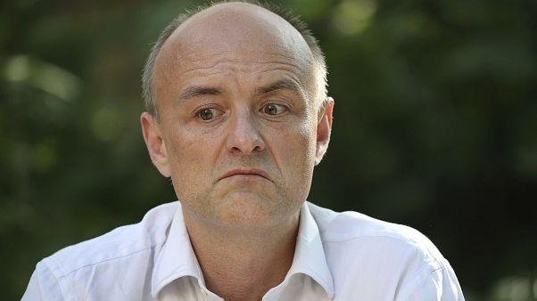 Карантин в Великобритании вылился в громкий политический скандал