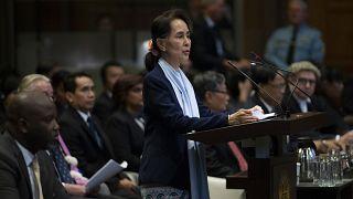 Myanmar lideri Aung San Suu Kyi Aralık 2019'da UAD'daki duruşmaya katıldı