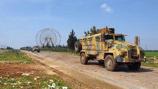 Türkiye ve Rusya askerleri Mart ayında M4 otoyolunda ortak devriye gezmişti