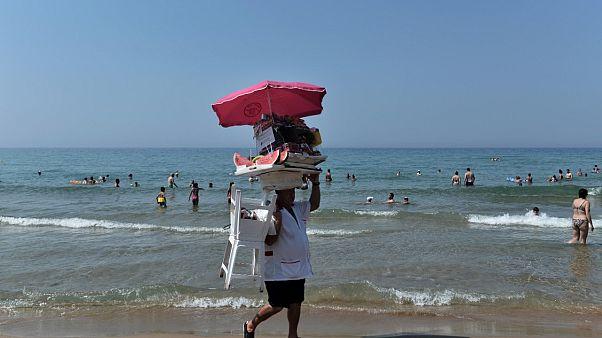 شاطئ في جزيرة كورفو اليونانية