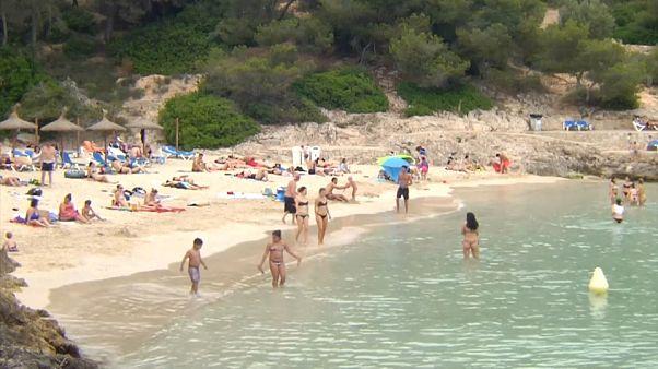 Espanha levanta quarentena para turistas estrangeiros