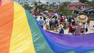 Kosta Rika eşcinsel evlilikleri tanıyan ilk Orta Amerika ülkesi oldu