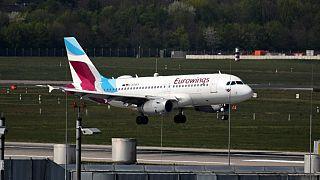 Eurowings yolcu uçağı Sardinya Adası'na inemedi
