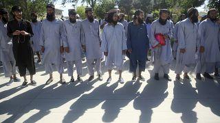 صورة من الأرشيف- إفراج  الحكومة الأفغانية عن مئات السجناء
