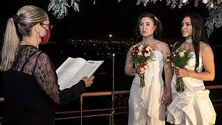 كوستاريكا أول دولة في أمريكا الوسطى تجيز زواج المثليين
