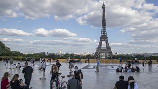 Fransa'nın başkenti Paris'in sembollerinden Eyfel Kulesi