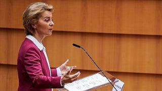 Ursula von der Leyen devant le Parlement européen à Bruxelles, le 27 mai 2020.