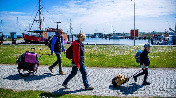 کدام کشورهای اروپایی مرزهای خود را قبل از تعطیلات تابستانی باز کرده اند؟