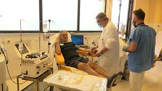 Andrea Bocelli dona sangre en el Hospital Cisanello de Pisa
