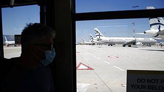 Avión de Aegean Airlines aparcado en Atenas