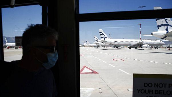 Grécia retomas voos comerciais com novas medidas