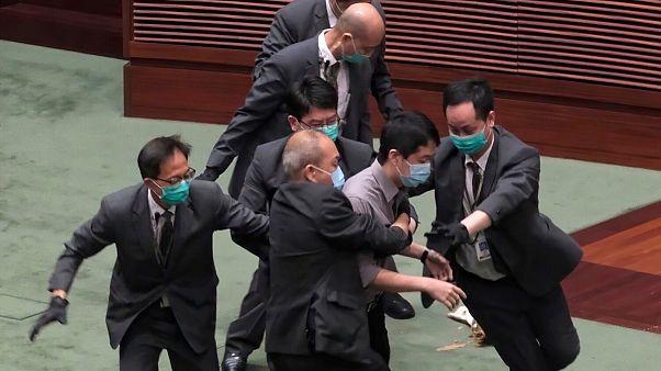 اعتراض و اختلال در مجلس محلی هنگ کنگ