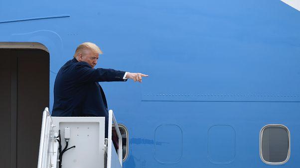Trump felszállás előtt az Air Force One-on