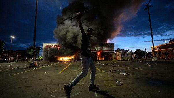 ABD'de George Floyd gösterilerinde gerilim tırmanıyor, protestolarda 1 kişi öldürüldü