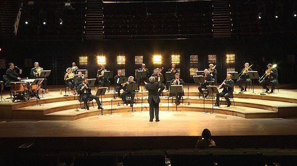 Filarmónica de Paris dá concerto sem público