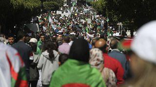 Cezayir'deki protesto gösterileri