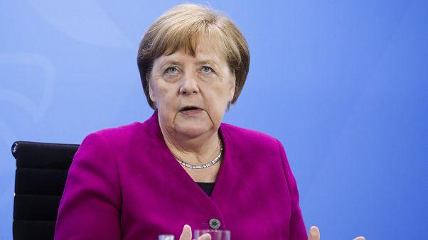 Avrupa'da Almanya, Fransa ve İtalya'yı kapsayan üç ülkedeki araştırmada Covid-19 salgını ile mücadele en güçlü görev onay desteği Alman lider Angela Merkel'e çıktı.