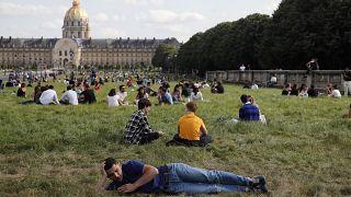 Франция со следующей недели возвращается к нормальной жизни