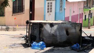 Un vehículo quemado en el pueblo de Venustiano Carranza, Chiapas, México